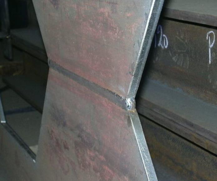 Vigas: Servicios y Proyectos de Estructures Metal.Liques Quintana