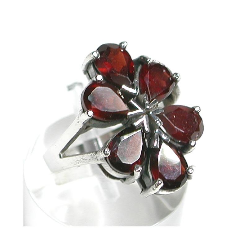 Sortija en forma de flor de Plata   de 1ª Ley con Granates PS-090/09: Catálogo de Antigua Joyeros
