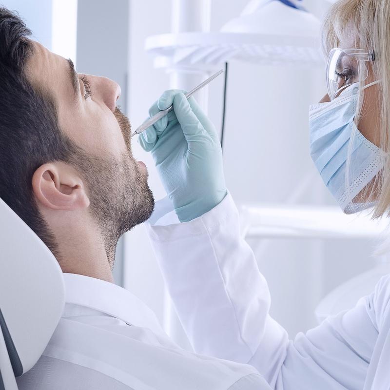 Tratamiento de halitosis: Servicios de Clínica Dental Global Dental