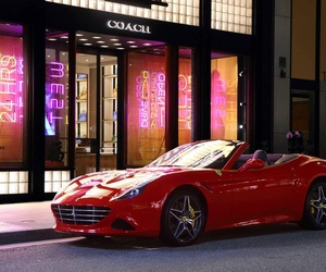 Alquila un coche especial para una ocasión especial en Reus