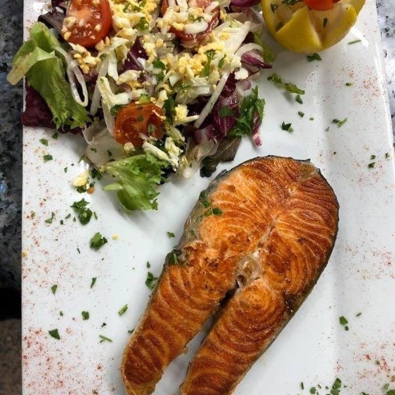 Menús diarios y especiales de grupo: ¿Qué ofrecemos? de Restaurante El Alcázar
