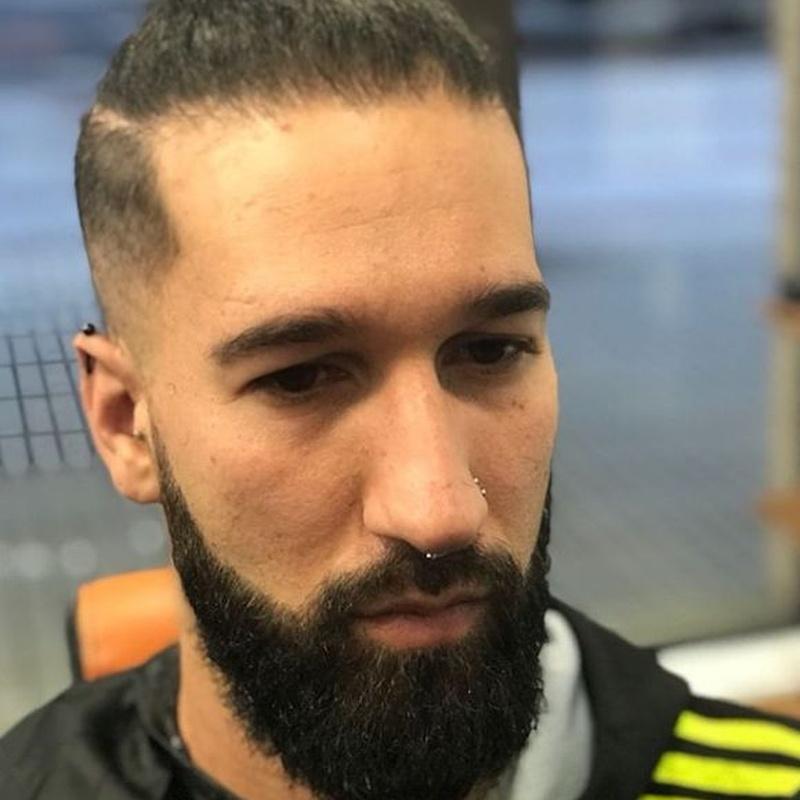Barbas y afeitados: Servicios de Anju Peluqueros