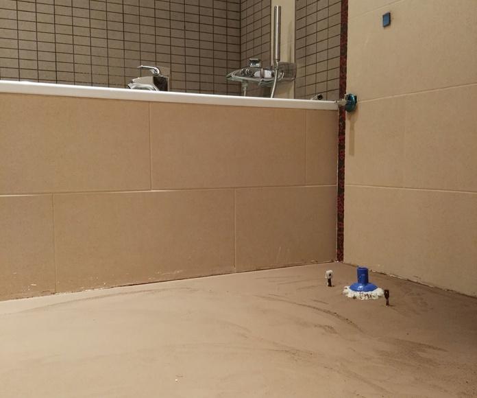 MICROQUARZ - Suelo de baño color marrón
