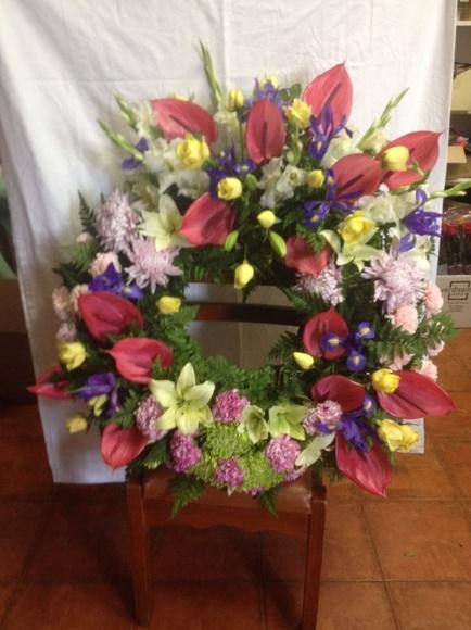Coronas funerarias: Servicios  de Floristería Tías
