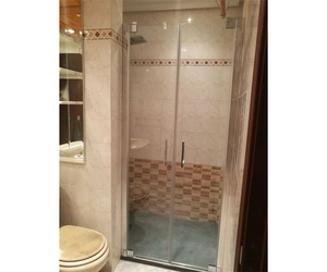 Profesionales en cambio de bañera por plato de ducha en Segovia