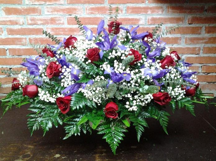 Palma de 24 rosas: Servicios de Arte Flor
