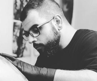 Edu Vertikal: Servicios de Vertikal Tattoo Studio