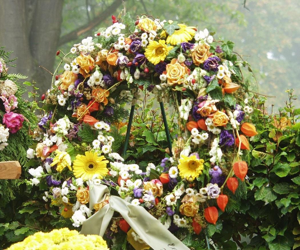 Significado de las flores utilizadas en coronas funerarias