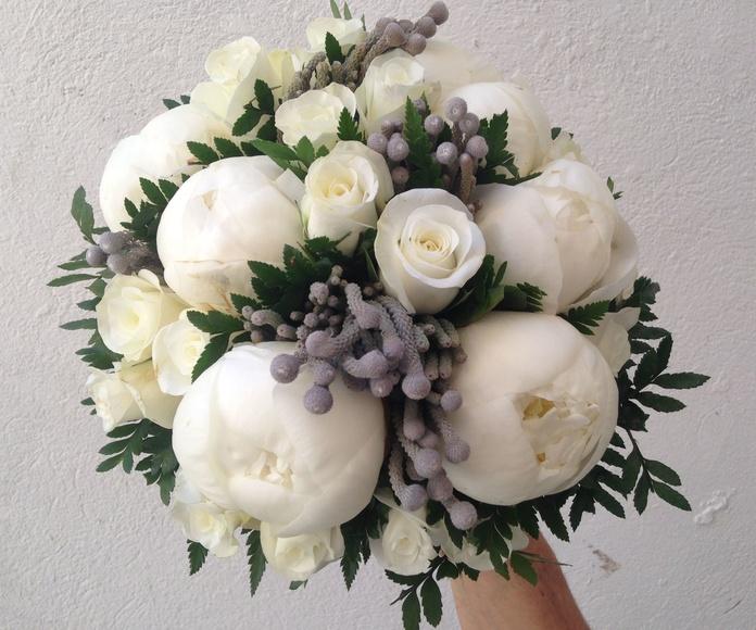 Ramos de novia: Servicios  de Flores y viveros Prado
