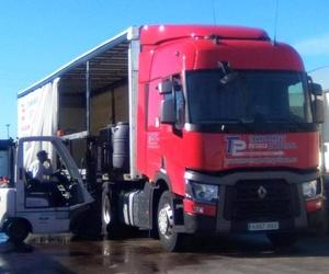 ¿Su empresa necesita una agencia de transportes de confianza? Llame Movil 606.75.43.87 - Ttes Petaca