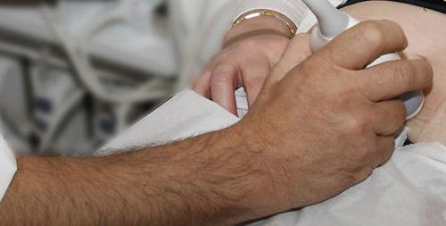 Médico especialista en ginecología y obstetricia