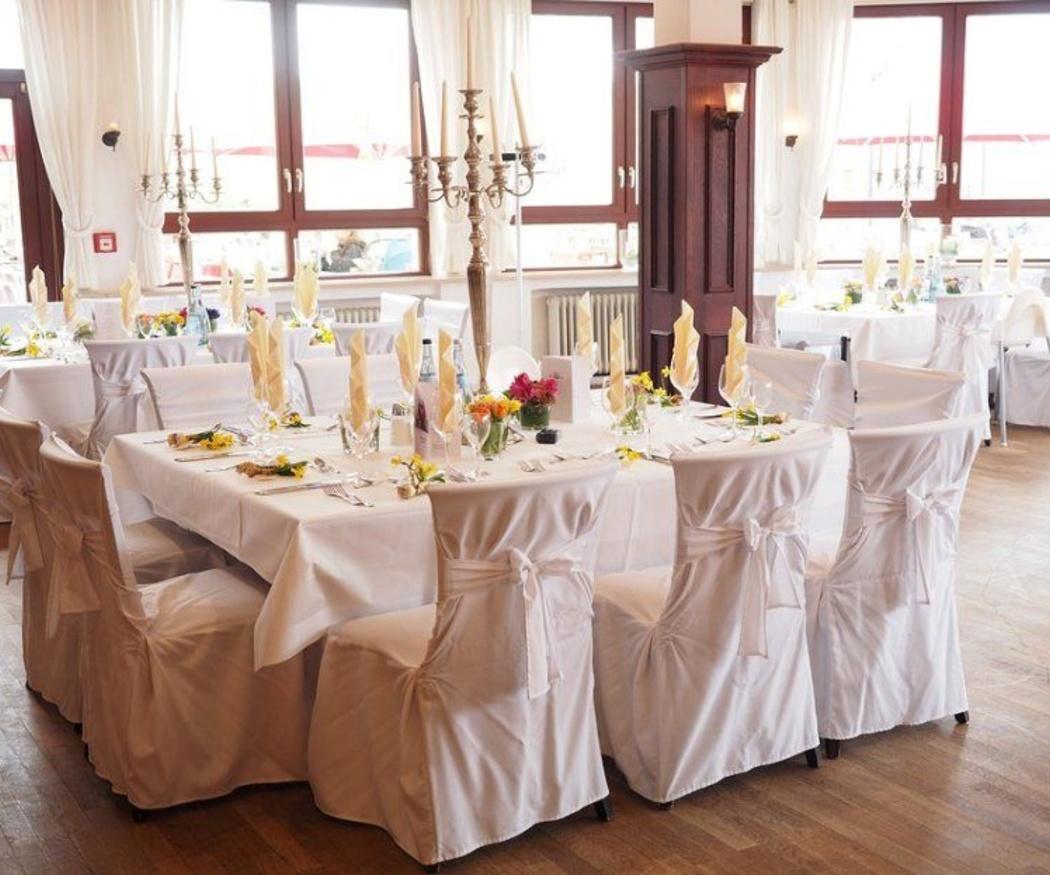 ¿Qué mesas debes usar en una boda?