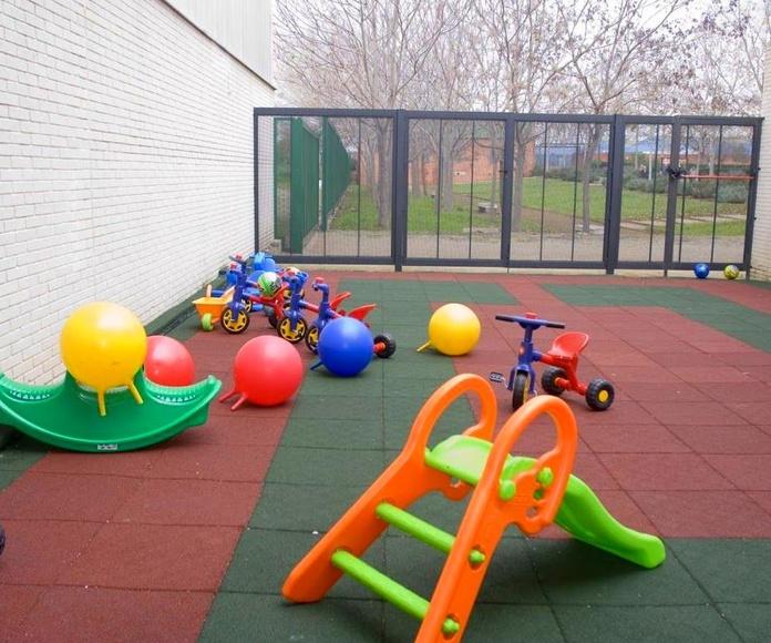 El Juego: Actividades y Servicios de Escola Infantil Municipal Cangurs