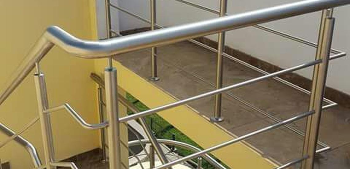 Fabricación e instalación de barandas de acero y cristal Tenerife