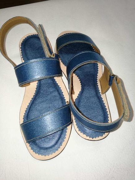 Sandalias de mujer, en piel y a medida