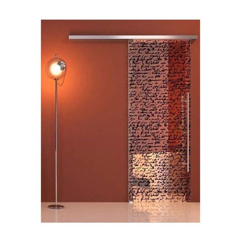 Puertas correderas de cristal personalizadas. Diseñe su hogar aprovechando