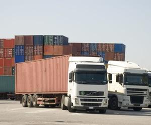 Almacén regulador para carga de contenedores en Castellón