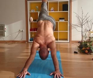 Clase especial de Yoga Dinámico. Sábado, 16 de junio, de 10 a 13 h.