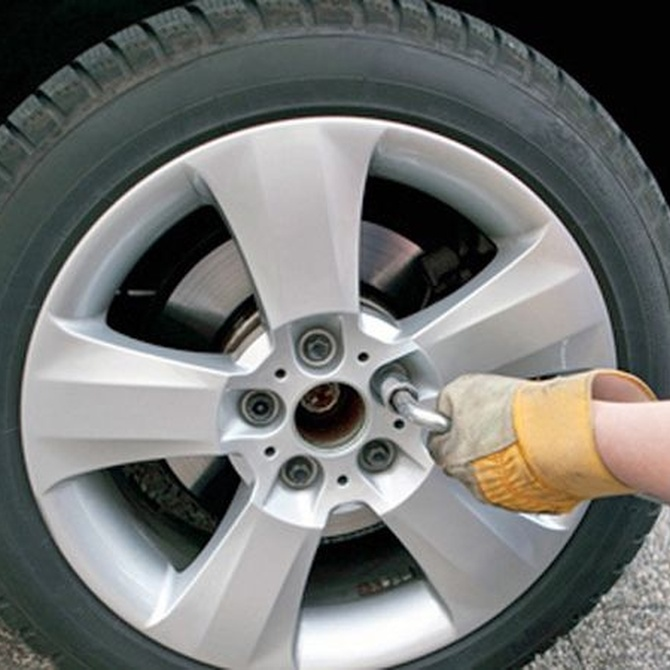 Cómo cambiar las ruedas del coche