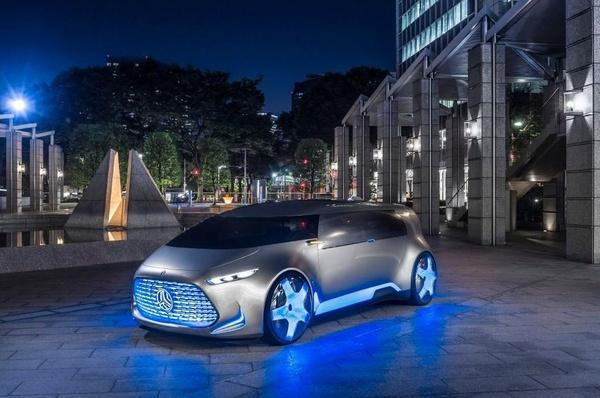 Mercedes-Benz Vision Tokio, futurista de los pies a la cabeza