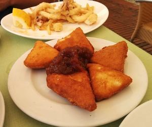 Bar de tapas, raciones y platos combinados en Requena