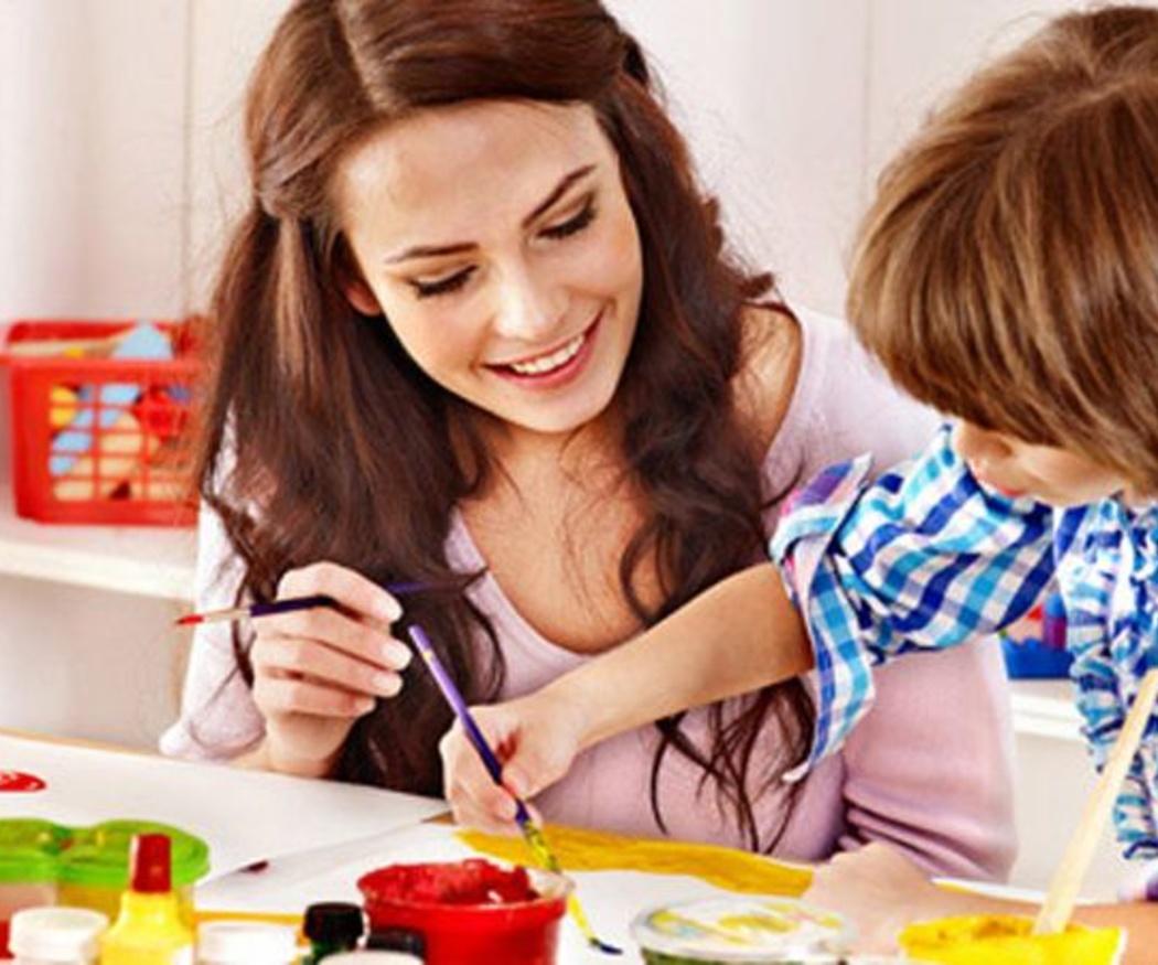 Qué valorar en una cuidadora infantil