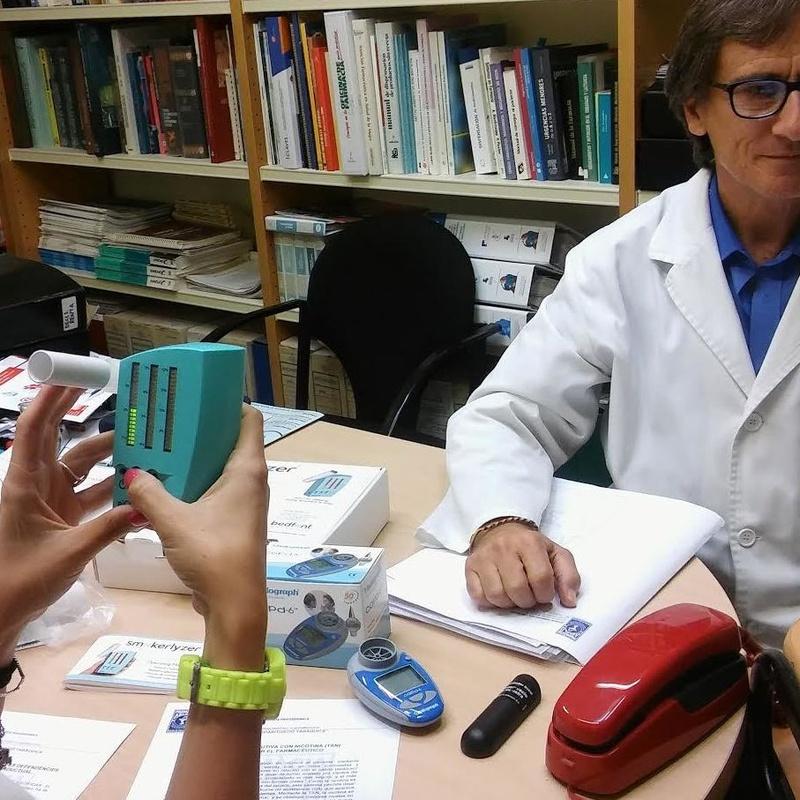Servicio de Tabaquismo: Servicios profesionales de Farmacia Aguiló Juanola