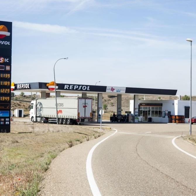 Tenemos el combustible para tu coche y el combustible para ti