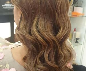 Peinado con ondas marcadas
