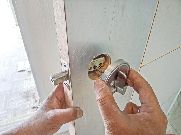 Instalaciones: Servicios de Cerrajero Locksmith Marbella 24 Horas