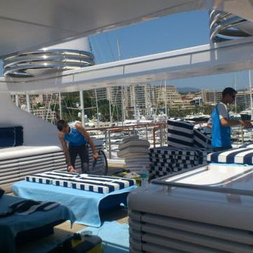 Yacht cleaning in Denia