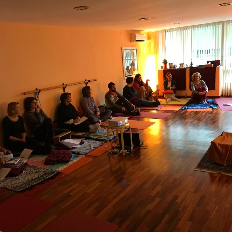 Formació tradicional de professors de ioga a Barcelona: Què fem de Centro Luna