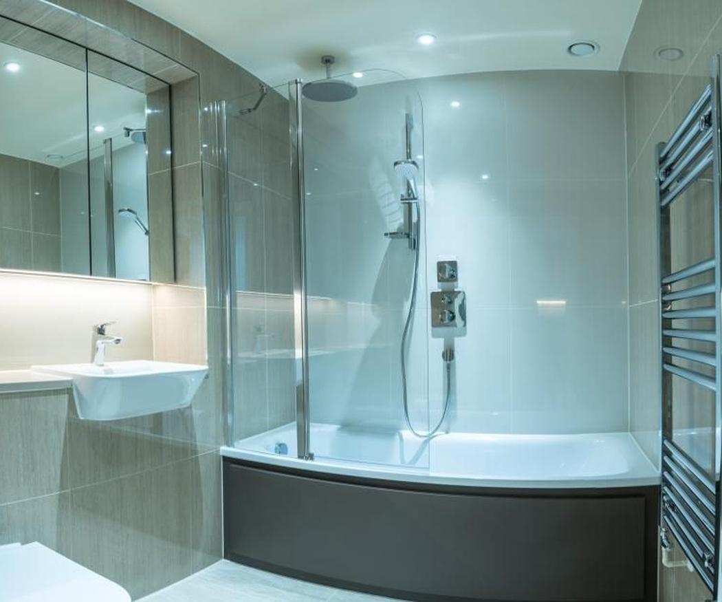 Ventajas de tener ducha y bañera combinados