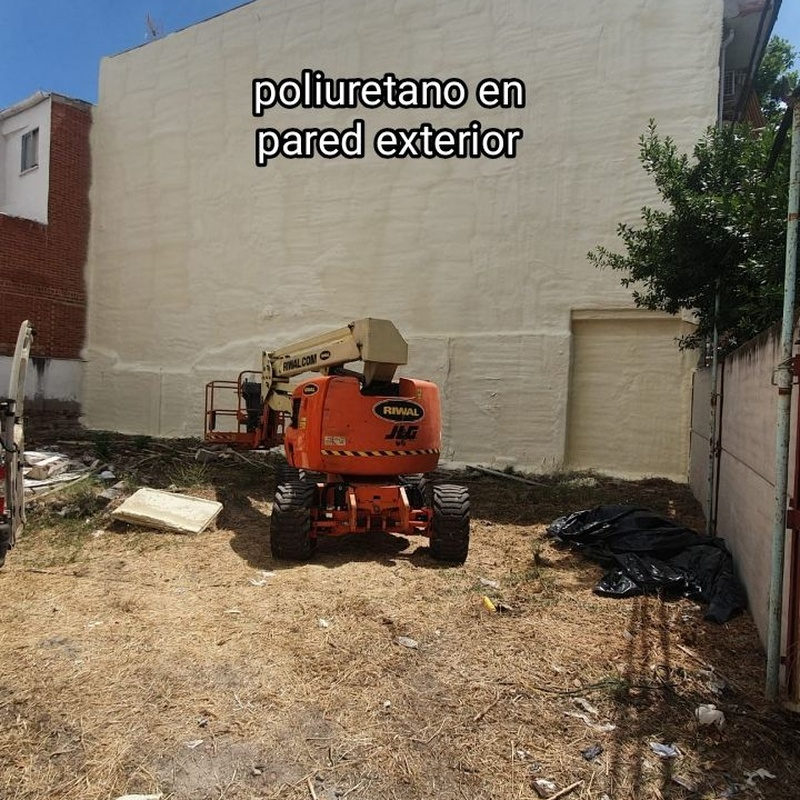 Poliuretano en pared exterior