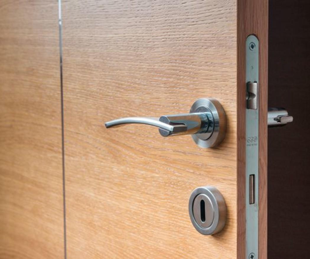 Las ventajas de tener puertas de madera
