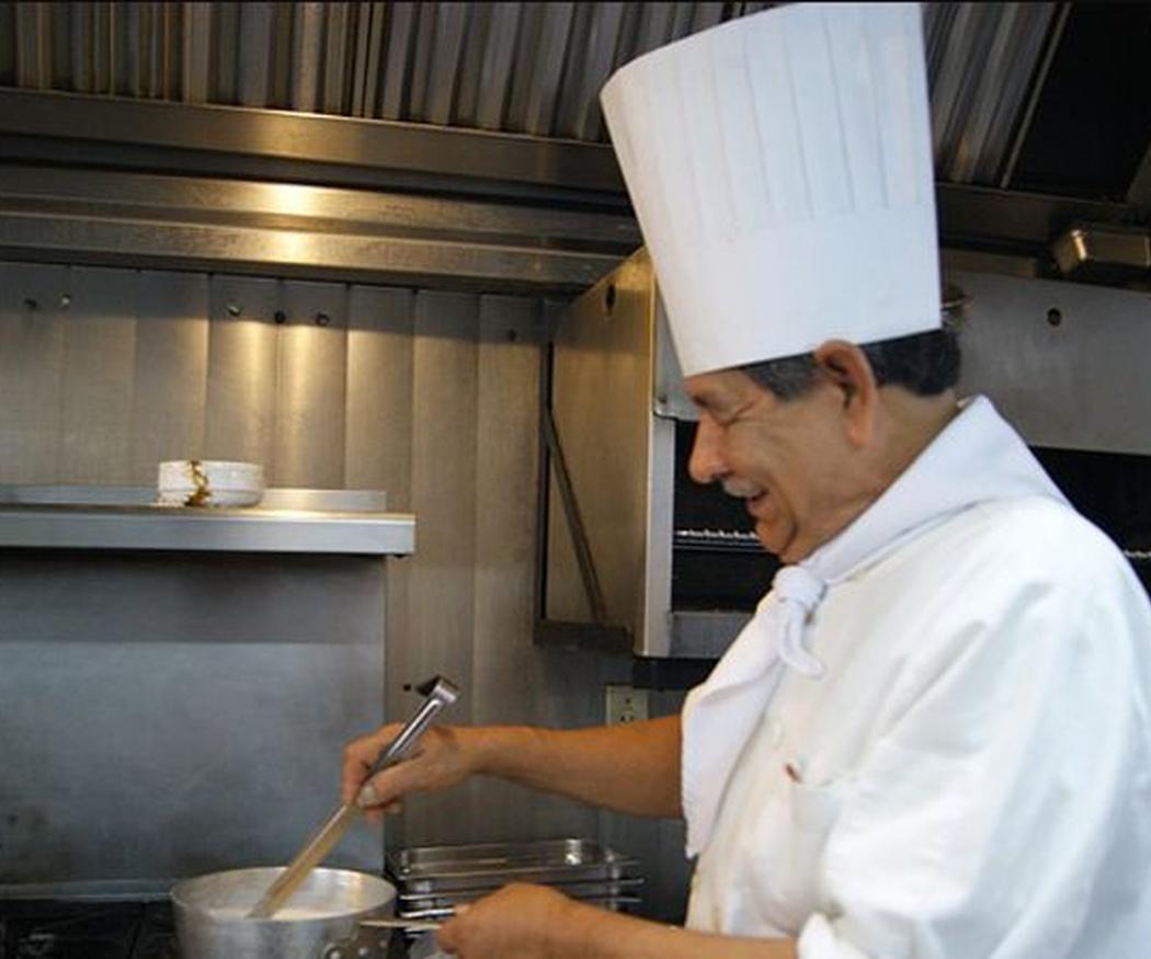 ¿Por qué es importante el uniforme en la cocina?