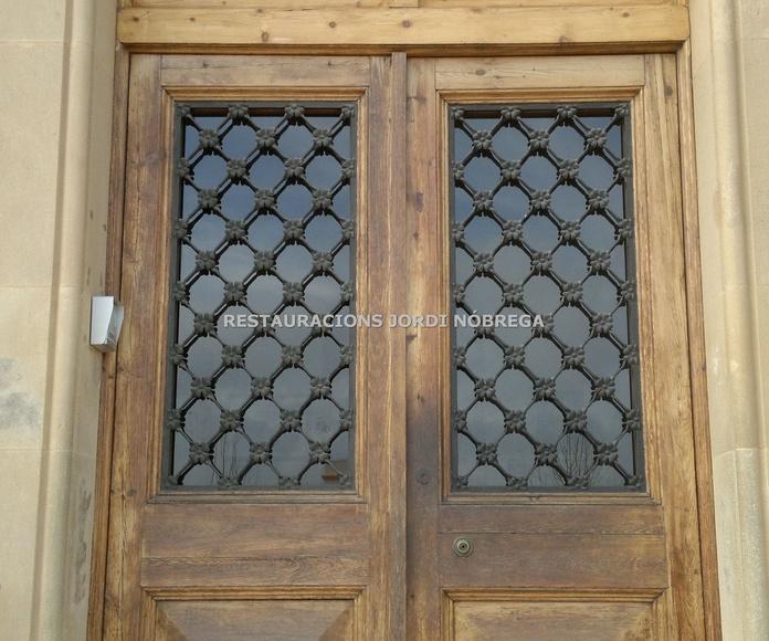 Restauración puertas de exterior en el Maresme. Restauracions Jordi Nóbrega