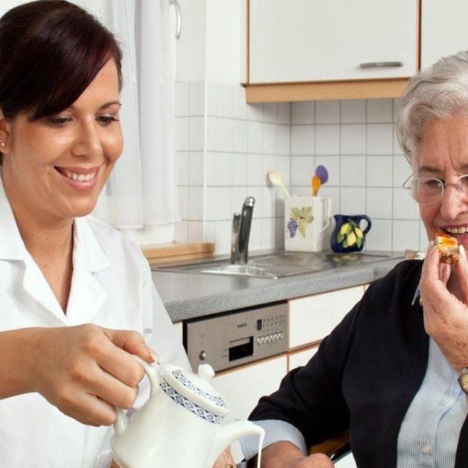 Algunos consejos para contratar a un cuidador de ancianos
