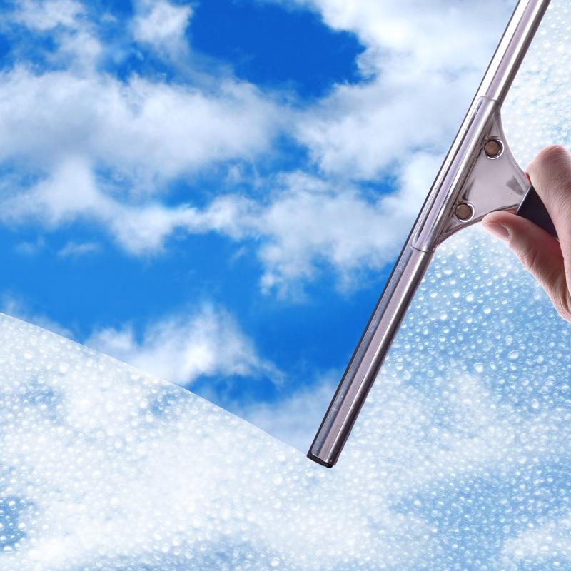 Limpieza de cristales: Servicios  de Limpiezas Ciudad Encantada, S.L.
