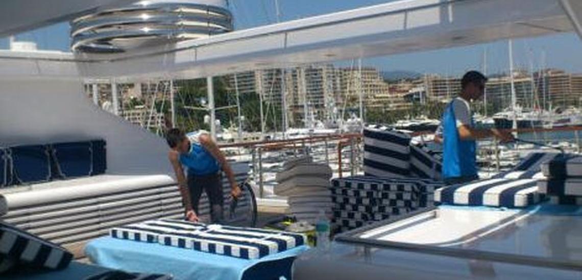 Limpieza de yates en Cartagena con clientes satisfechos