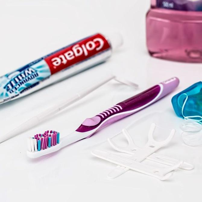 Limpiarse los dientes con aparato