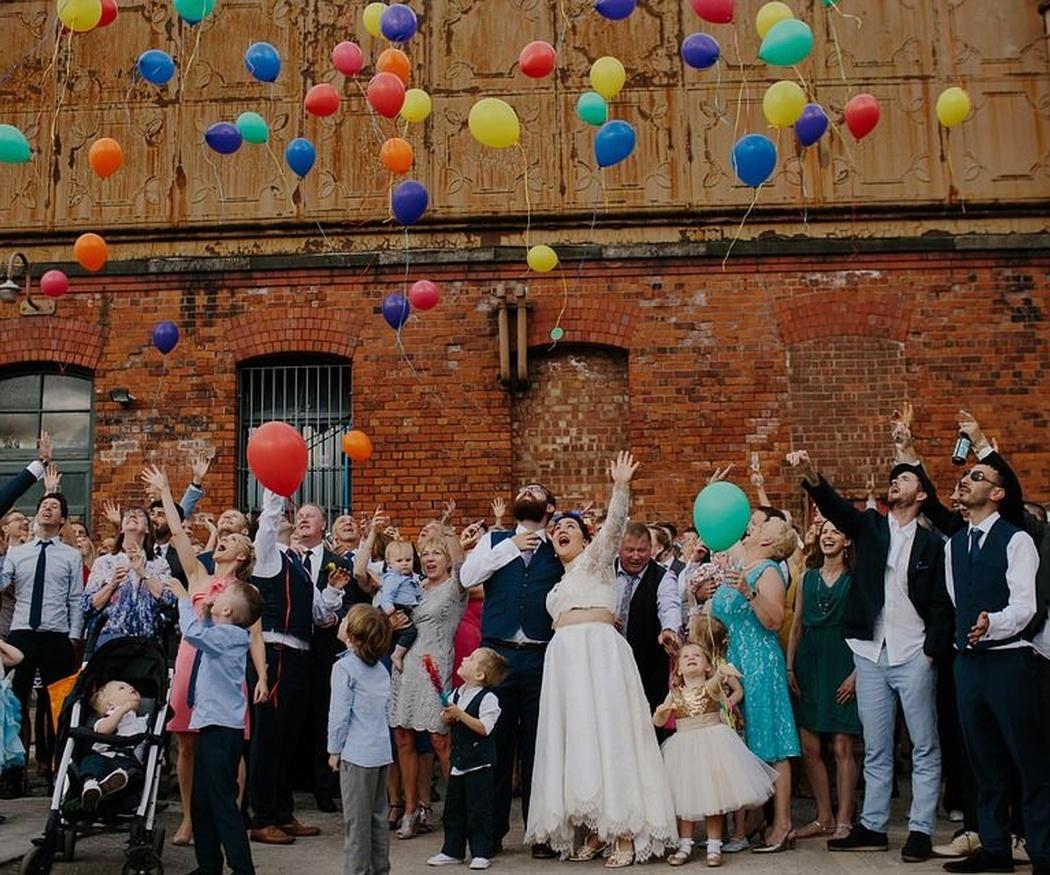 Cinco ventajas de contratar un autocar para la boda