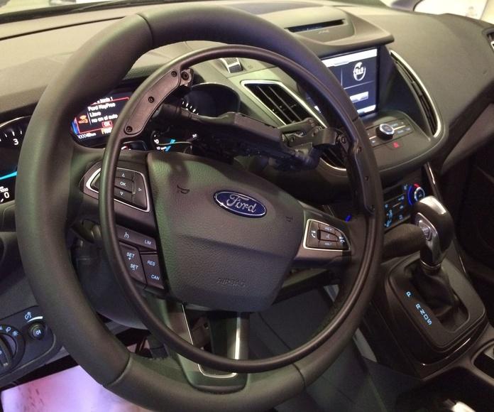 Adaptación de vehículos en Mieres. Aro acelerador