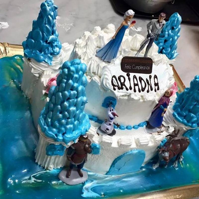Tartas personalizadas para cumpleaños: Productos de Pastelería Flor Isleña