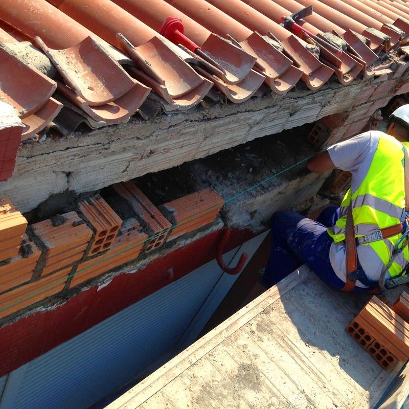 albañilería y trabajos de construcción en edificios de Santander.