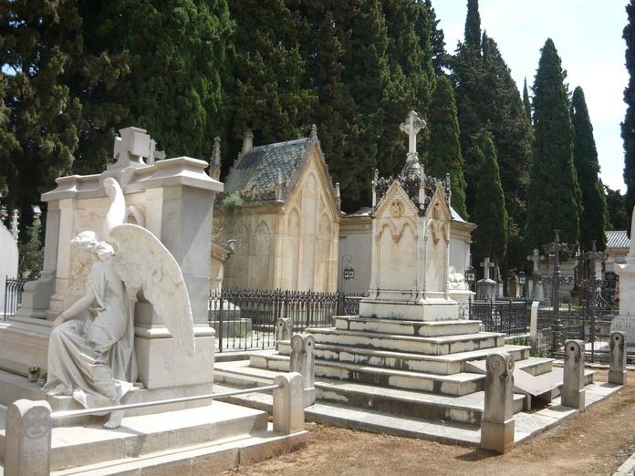 Panteones: Productos de Mármoles y Piedras