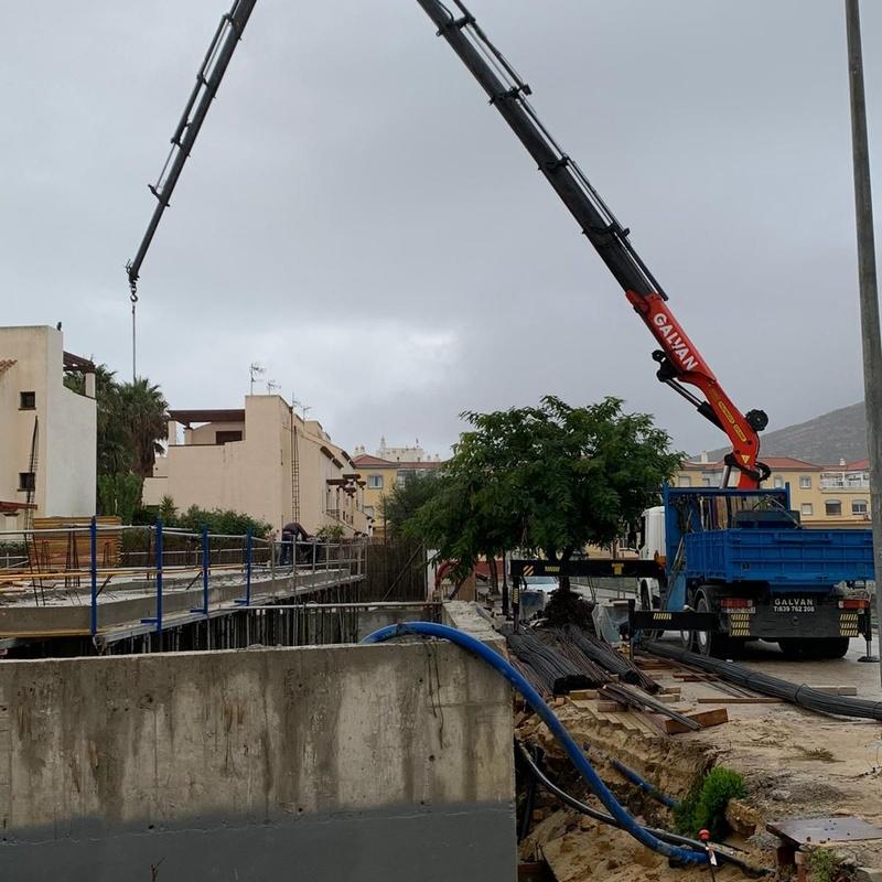 Camión con grúa 60 Tn: Servicios de Transportes y Grúas Galván - Alquileres Galván