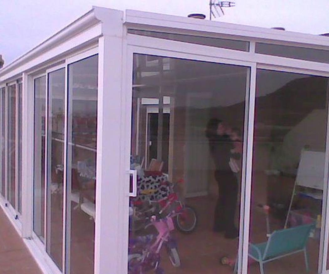 ¿Por qué es conveniente realizar un cerramiento en nuestra terraza?