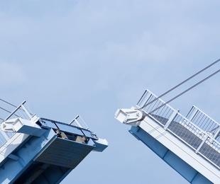 Juntas de dilatación en puentes y calzadas