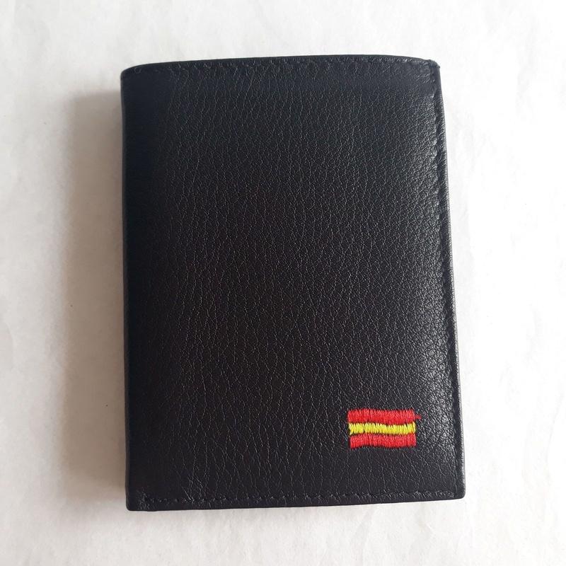 Cartera De Caballero 202 BORDADO: Catálogo de M.G. Piel